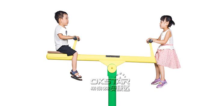儿童跷跷板